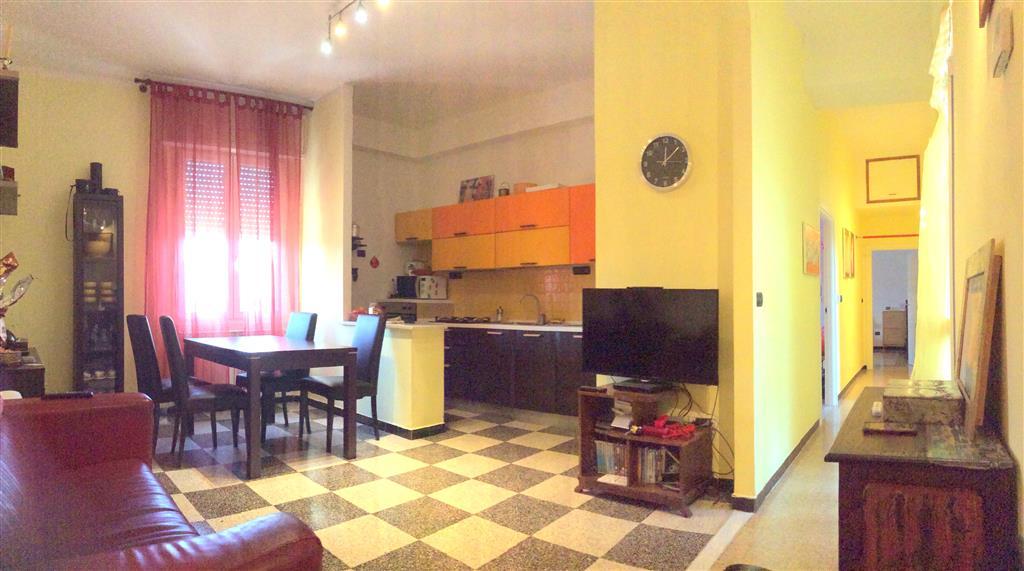 Appartamento in vendita a Piombino, 3 locali, prezzo € 120.000 | Cambio Casa.it