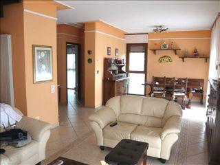 Appartamento in vendita a Piombino, 4 locali, zona Zona: Riotorto, prezzo € 295.000 | Cambio Casa.it