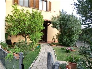 Appartamento in vendita a San Vincenzo, 4 locali, prezzo € 290.000 | CambioCasa.it