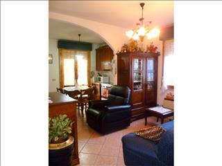 Appartamento in vendita a Suvereto, 3 locali, prezzo € 220.000 | CambioCasa.it