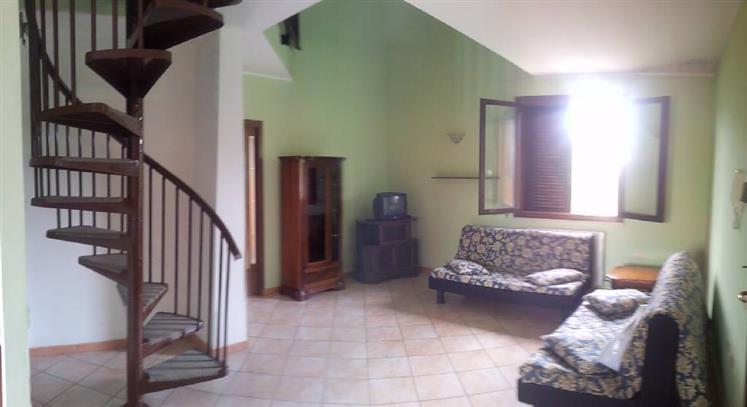 Appartamento in vendita a Suvereto, 5 locali, prezzo € 230.000 | CambioCasa.it