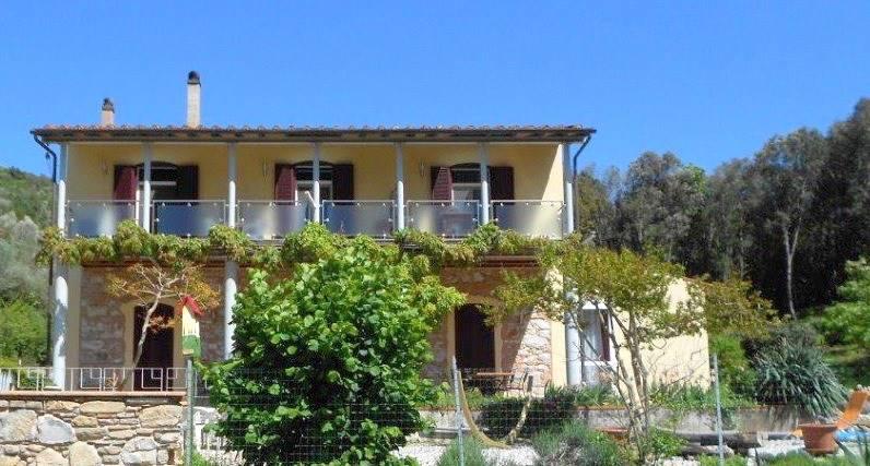 Rustico / Casale in vendita a Campiglia Marittima, 12 locali, prezzo € 890.000 | CambioCasa.it