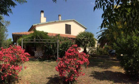 Villa in vendita a Campiglia Marittima, 9 locali, zona Zona: Venturina, prezzo € 550.000 | Cambio Casa.it