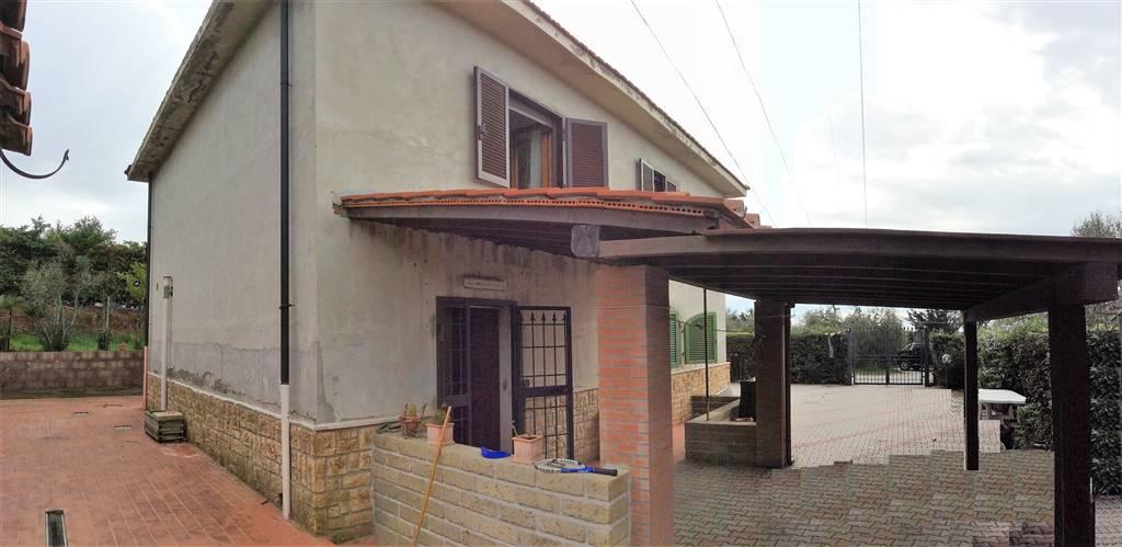Rustico / Casale in vendita a Piombino, 5 locali, prezzo € 290.000 | CambioCasa.it