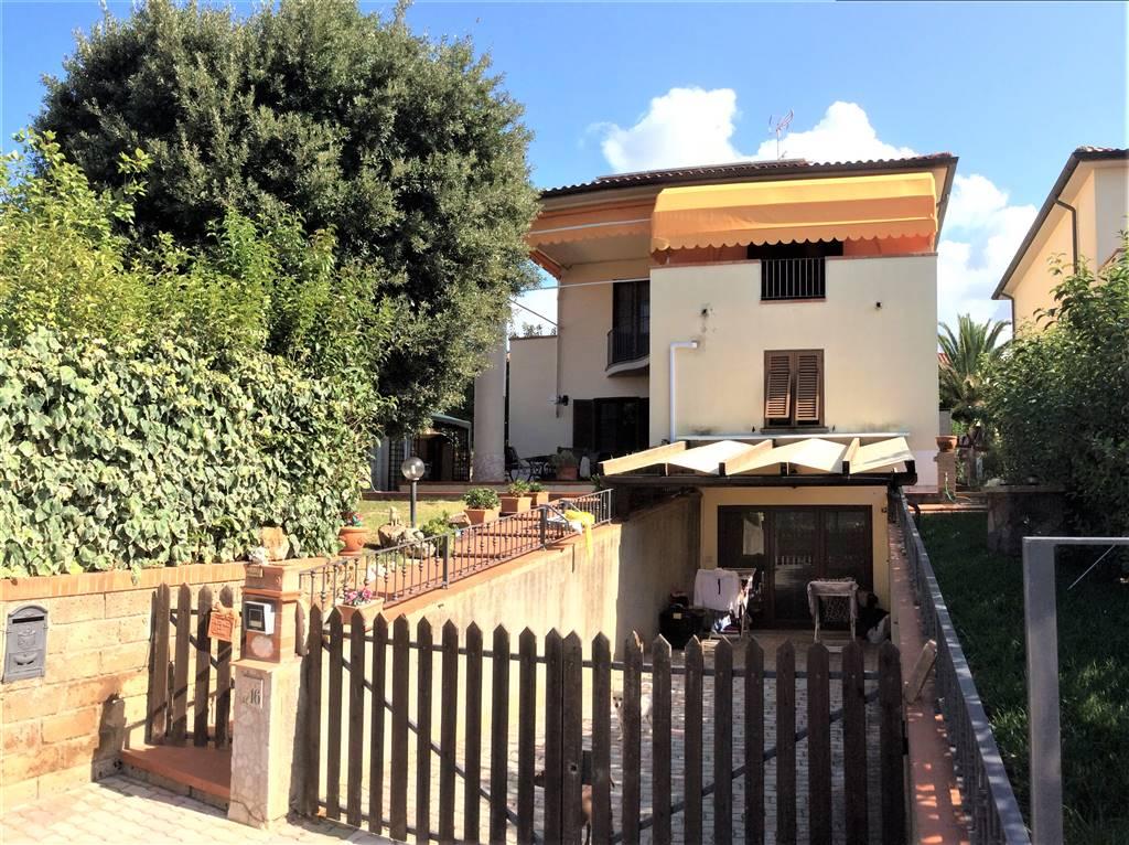 Villa in vendita a Campiglia Marittima, 8 locali, zona Zona: Lumiere, prezzo € 350.000 | CambioCasa.it