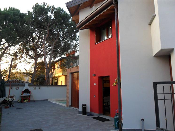 Villa in vendita a Sovico, 4 locali, prezzo € 450.000 | Cambiocasa.it
