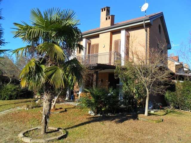Villa in vendita a Sovico, 5 locali, prezzo € 750.000 | Cambiocasa.it