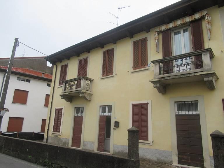 Appartamento  in Vendita a Barzano'