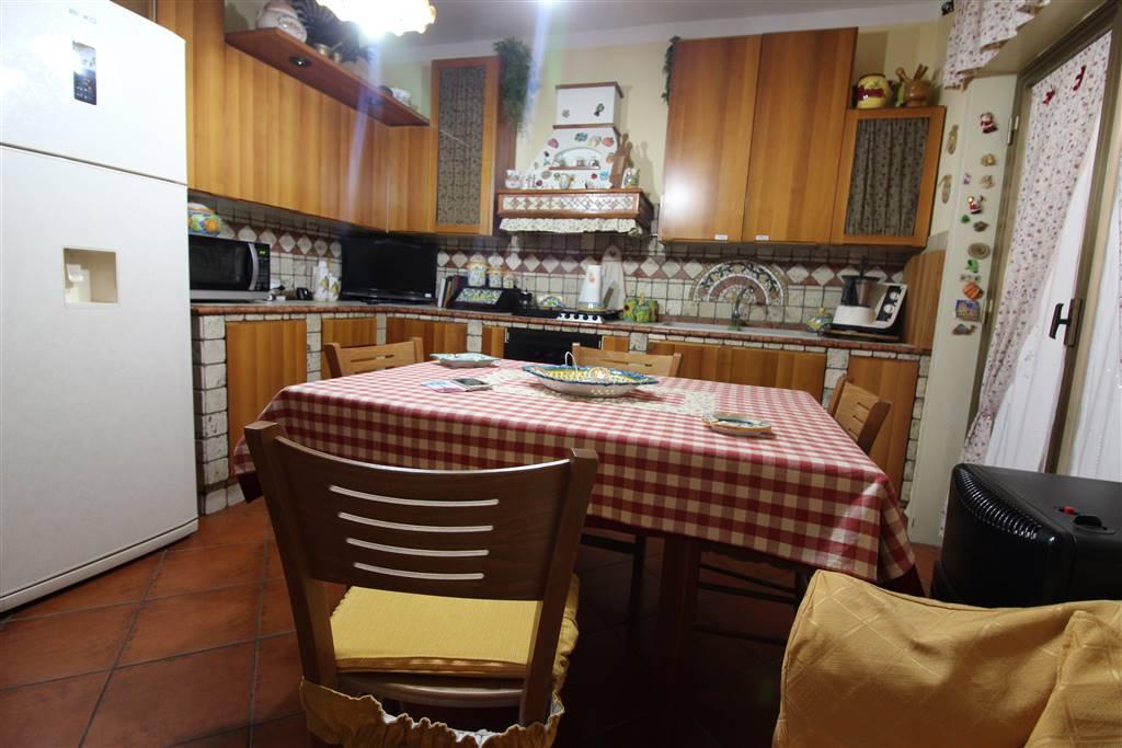 Appartamento in vendita a Carlentini, 4 locali, zona Località: BALATE ZACCO, prezzo € 100.000 | CambioCasa.it