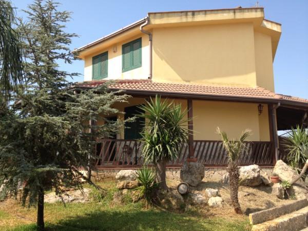 Villa in vendita a Carlentini, 5 locali, zona Località: C/DA PAGLIARAZZI, Trattative riservate | Cambio Casa.it
