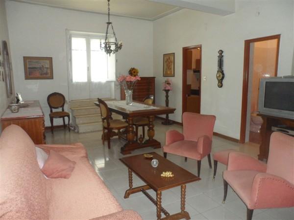 Soluzione Semindipendente in affitto a Lentini, 2 locali, zona Località: S.M. VECCHIA, prezzo € 250 | Cambio Casa.it