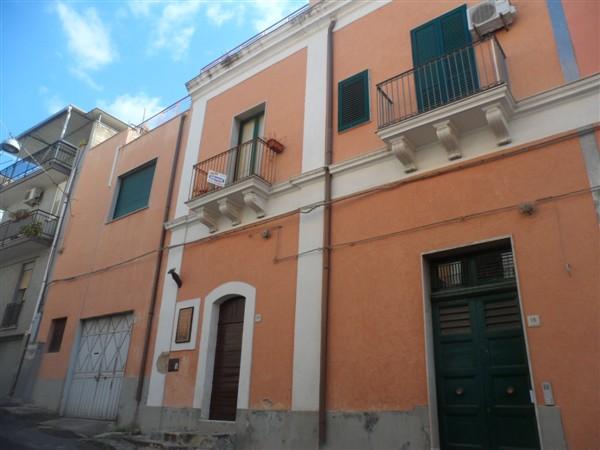 Casa semi indipendente, Lentini, in ottime condizioni
