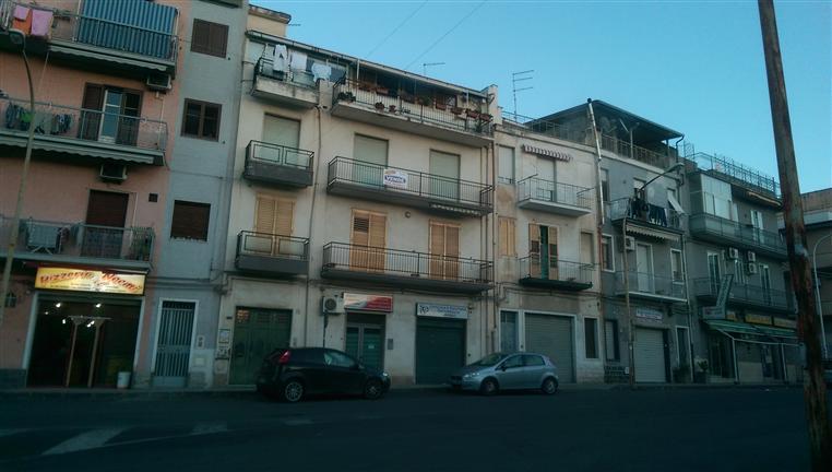 Ufficio / Studio in vendita a Lentini, 6 locali, prezzo € 73.000   Cambio Casa.it