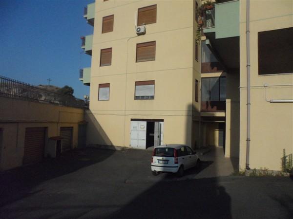 Box / Garage in vendita a Lentini, 4 locali, zona Località: PATIO, Trattative riservate | Cambio Casa.it