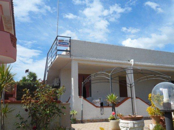 Villa in vendita a Augusta, 3 locali, zona Località: BAIA DEL SILENZIO, prezzo € 65.000 | Cambio Casa.it