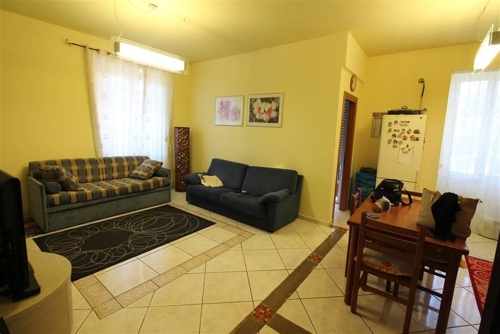 Appartamento in vendita a Lentini, 4 locali, zona Località: P.ZZA DEL POPOLO, prezzo € 88.000 | Cambio Casa.it