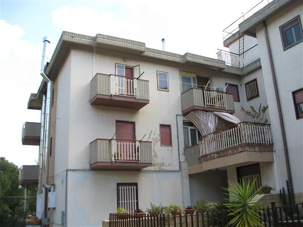 Appartamento in vendita a Carlentini, 5 locali, Trattative riservate | Cambio Casa.it