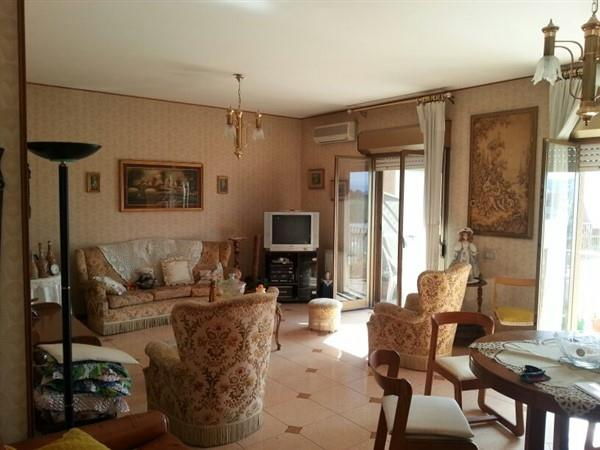Appartamento in vendita a Lentini, 3 locali, prezzo € 88.000 | Cambio Casa.it