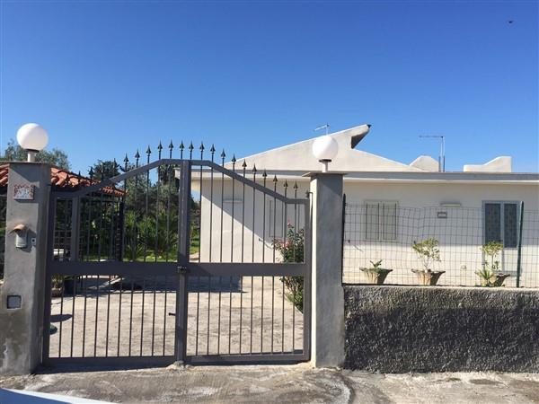 Villa in vendita a Carlentini, 5 locali, prezzo € 130.000 | Cambio Casa.it