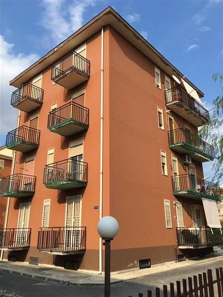 Appartamento in affitto a Carlentini, 4 locali, zona Località: SANTUZZI, prezzo € 350 | Cambio Casa.it