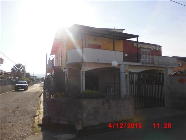 Villa in vendita a Augusta, 5 locali, zona Località: VILLAGGIO SABBIONE, prezzo € 120.000 | Cambio Casa.it