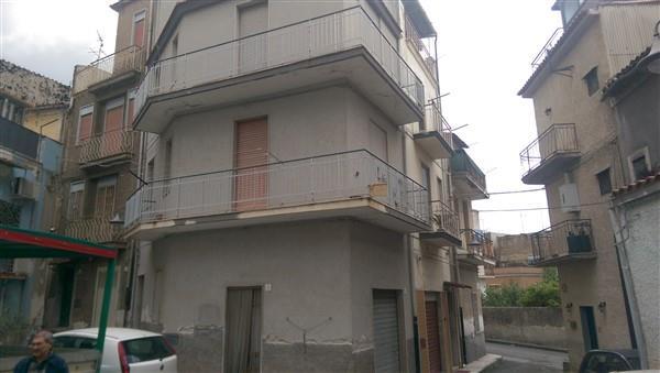 Soluzione Indipendente in vendita a Lentini, 4 locali, zona Località: QUATTARARI, prezzo € 53.000 | Cambio Casa.it