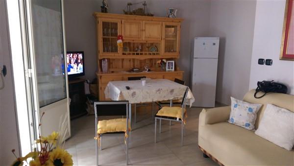 Soluzione Indipendente in vendita a Carlentini, 3 locali, zona Località: CENTRO, prezzo € 60.000 | CambioCasa.it