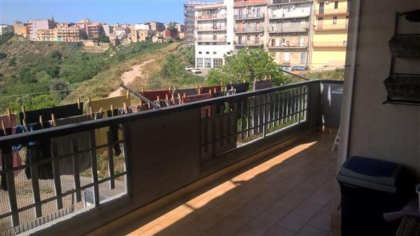 Appartamento in vendita a Carlentini, 4 locali, zona Località: CENTRO, prezzo € 110.000 | Cambio Casa.it