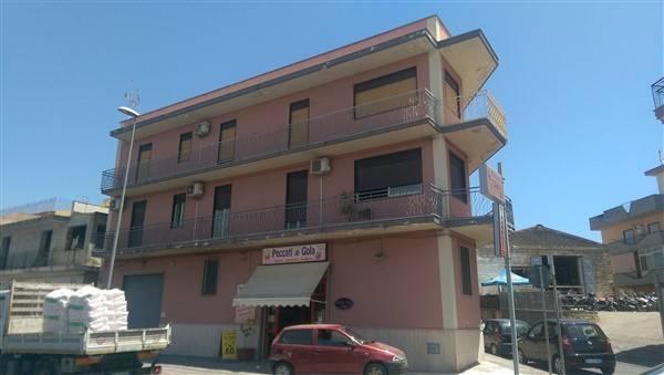 Soluzione Indipendente in vendita a Carlentini, 10 locali, zona Località: BALATE ZACCO, Trattative riservate | Cambio Casa.it