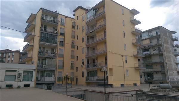 Appartamento in affitto a Lentini, 5 locali, zona Località: CENTRO, prezzo € 350 | Cambio Casa.it