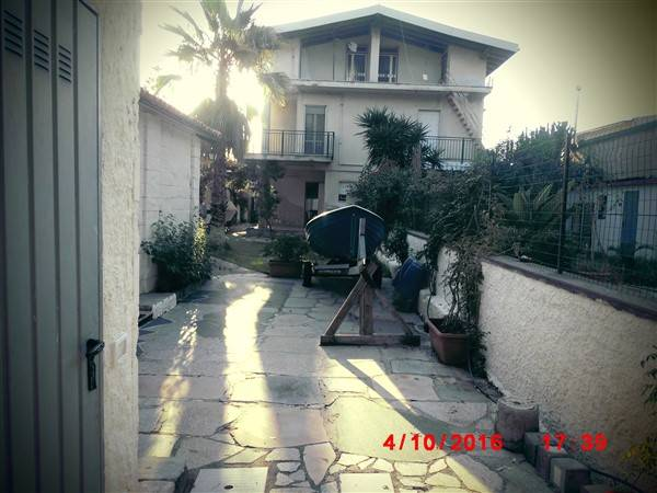 Villa in vendita a Augusta, 5 locali, prezzo € 140.000 | CambioCasa.it