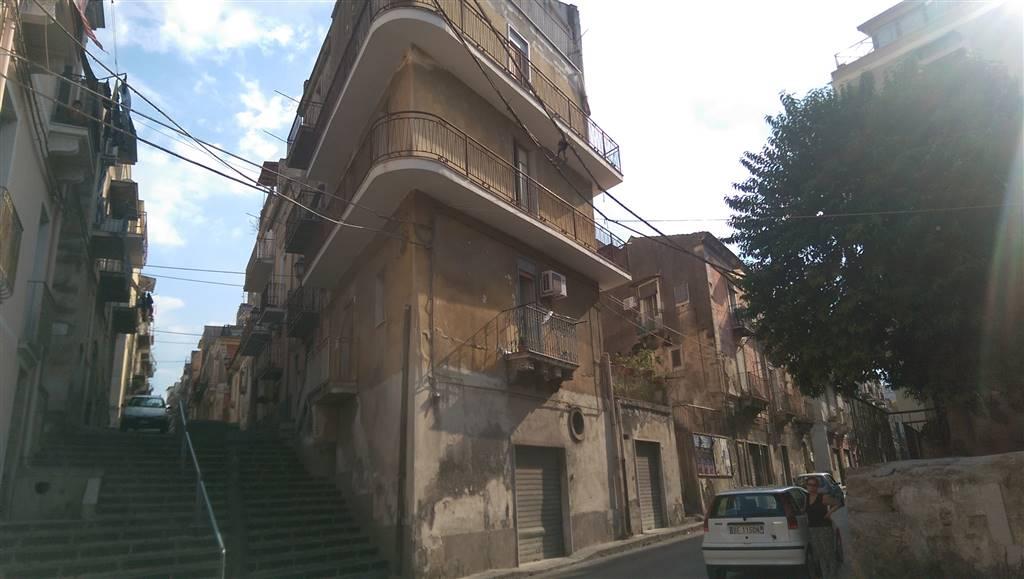 Soluzione Indipendente in vendita a Lentini, 6 locali, zona Località: CENTRO, prezzo € 60.000 | Cambio Casa.it