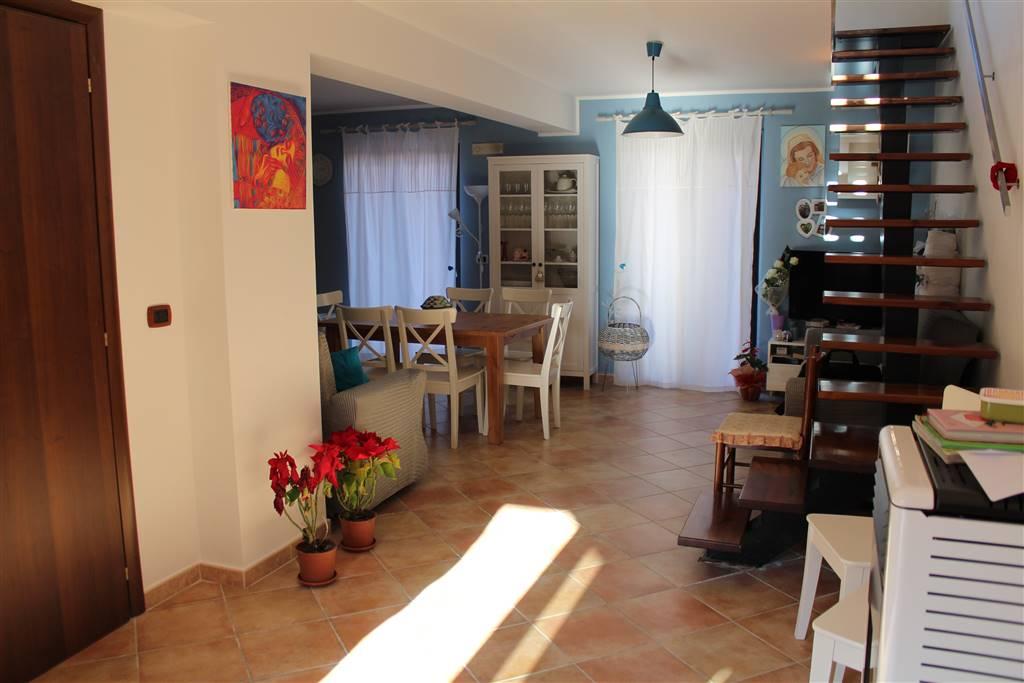 Villa a Schiera in vendita a Carlentini, 5 locali, prezzo € 140.000 | CambioCasa.it