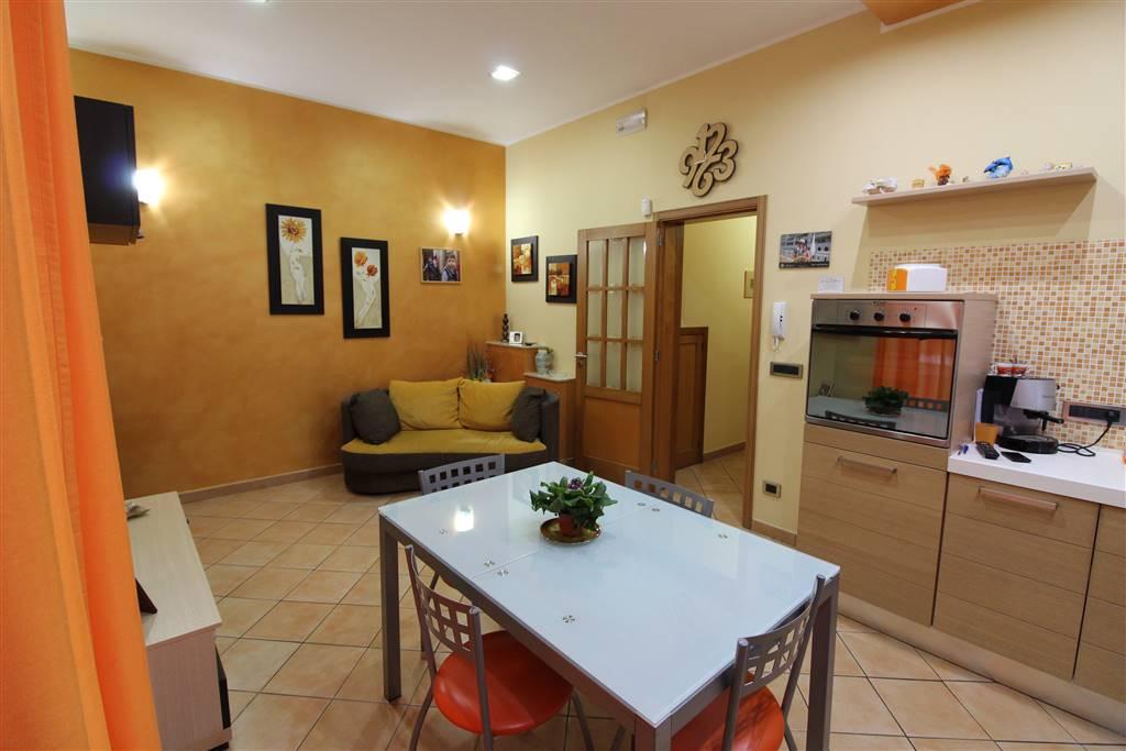 Soluzione Indipendente in vendita a Lentini, 5 locali, zona Località: CENTRO, prezzo € 120.000 | CambioCasa.it