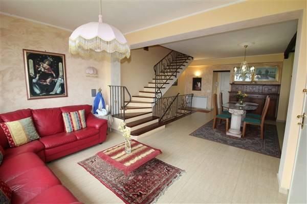 Villa in vendita a Lentini, 6 locali, prezzo € 200.000 | CambioCasa.it