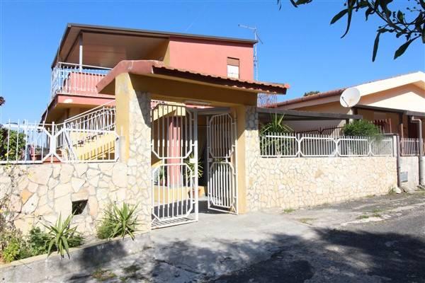 Villa in vendita a Augusta, 5 locali, zona Località: BAIA DEL GAMBERO, prezzo € 88.000 | CambioCasa.it