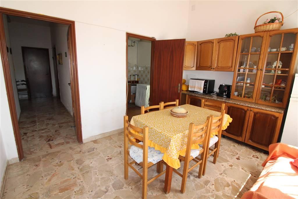 Villa in vendita a Augusta, 5 locali, zona Località: VILLAGGIO SABBIONE, prezzo € 80.000 | CambioCasa.it