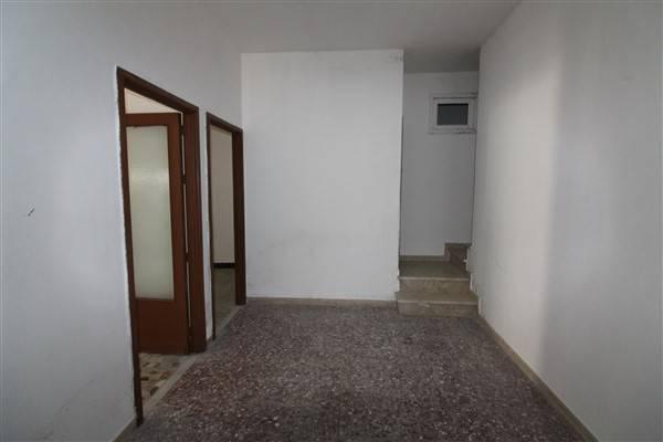 Soluzione Indipendente in vendita a Lentini, 6 locali, zona Località: CENTRO, prezzo € 32.000 | CambioCasa.it