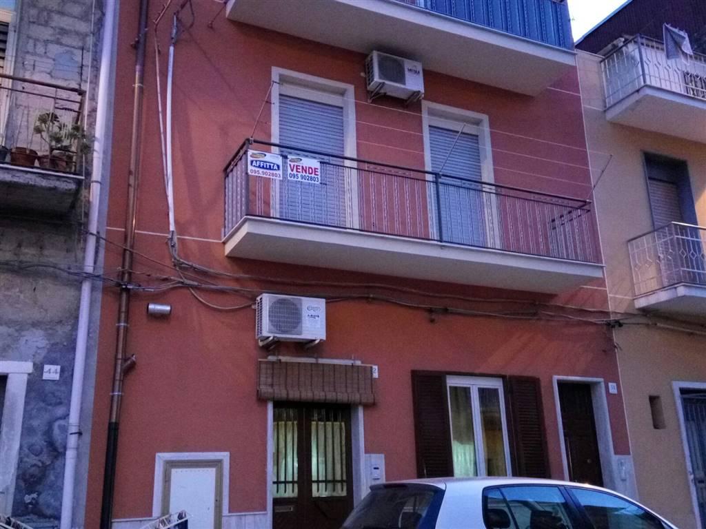 Appartamento in affitto a Lentini, 3 locali, zona Località: CAMPO SPORTIVO, prezzo € 250 | CambioCasa.it
