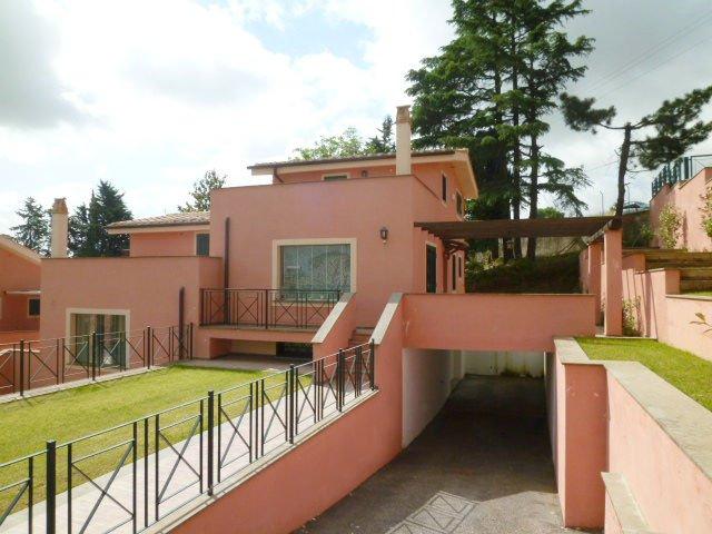 Villa Bifamiliare in vendita a Capena, 4 locali, zona Località: COLLE DEL FAGIANO, prezzo € 269.000 | Cambiocasa.it