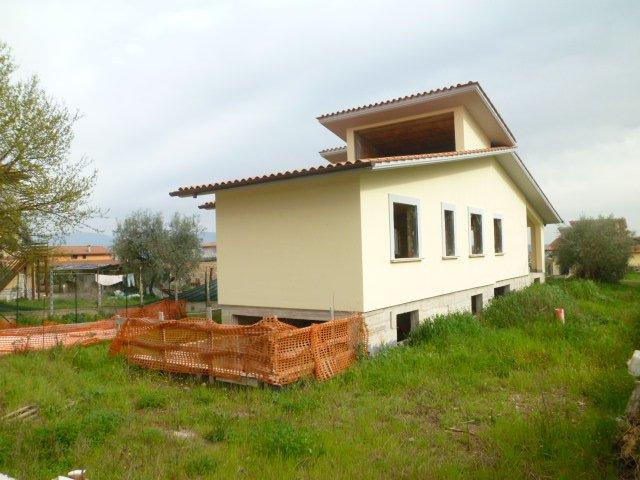 Rustico / Casale in vendita a Fiano Romano, 3 locali, prezzo € 190.000 | CambioCasa.it