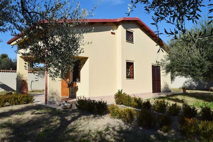 Villa in vendita a Capena, 3 locali, prezzo € 215.000 | Cambiocasa.it