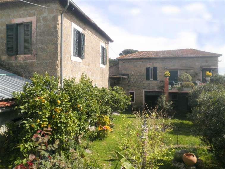 Rustico / Casale in vendita a Castelnuovo di Porto, 7 locali, Trattative riservate | Cambio Casa.it