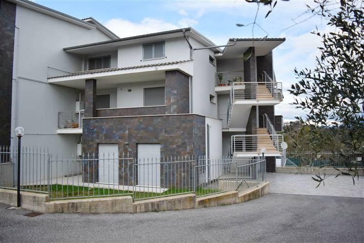 Appartamento in vendita a Civitella San Paolo, 3 locali, prezzo € 90.000 | Cambio Casa.it