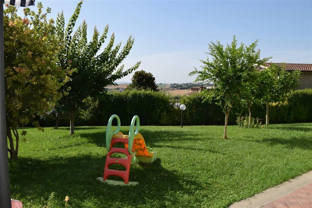 Villa in vendita a Capena, 4 locali, prezzo € 219.000 | Cambio Casa.it