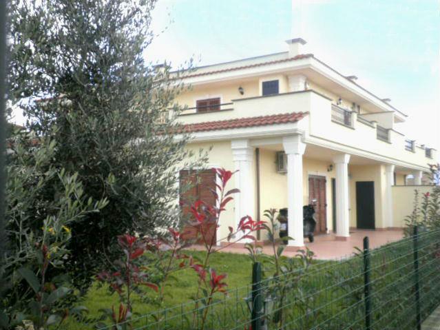 Villa in vendita a Fiano Romano, 4 locali, prezzo € 189.000 | Cambio Casa.it