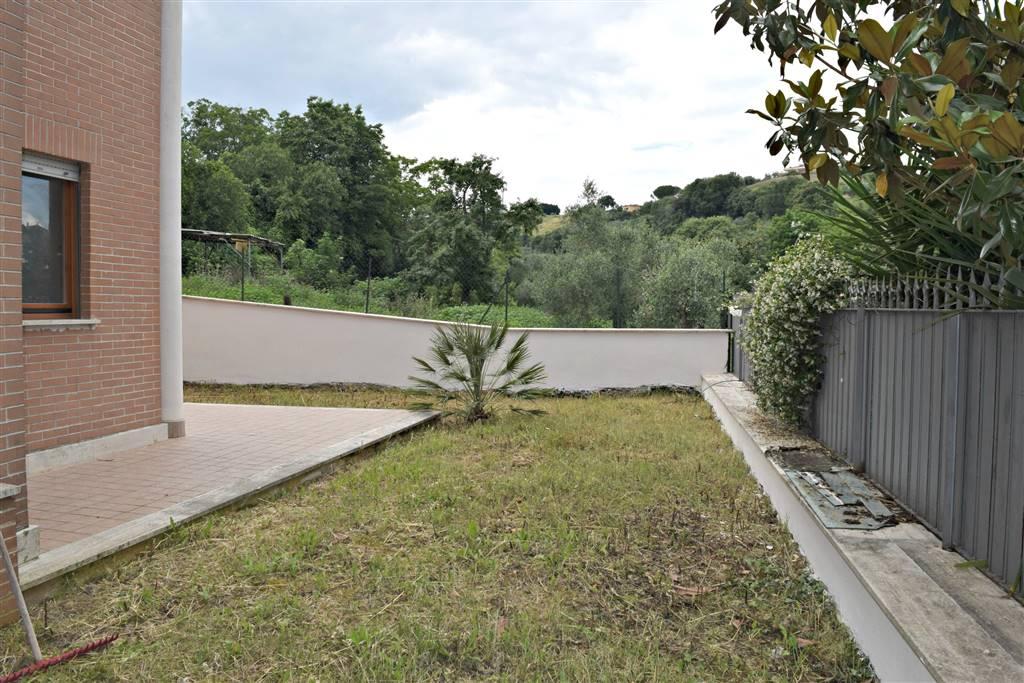 Appartamento in vendita a Fiano Romano, 2 locali, zona Località: CENTRO, prezzo € 99.000 | Cambio Casa.it