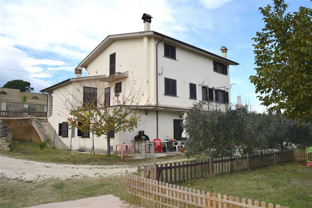 Villa in affitto a Fiano Romano, 5 locali, prezzo € 750 | Cambio Casa.it