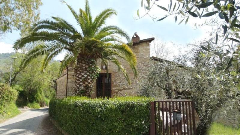 Rustico / Casale in vendita a Fara in Sabina, 3 locali, zona Zona: Coltodino, prezzo € 299.000 | Cambio Casa.it