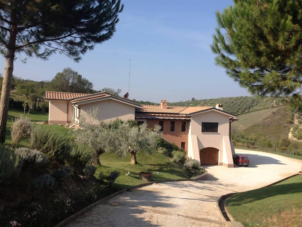 Villa in vendita a Mentana, 10 locali, prezzo € 1.490.000 | CambioCasa.it
